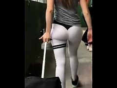Candid ass in workout pants