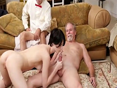 Crazy public cumshot and surprise blast Frannkie heads down the Hersey