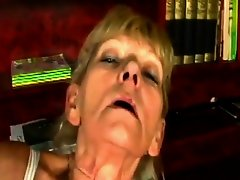 Horny blonde granny gets cunt filled by schlong