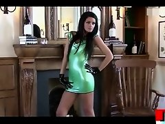 Sexy brunette MILF in too short latex dress upskirt during a photosession !