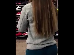 Big booty Latin teen candid